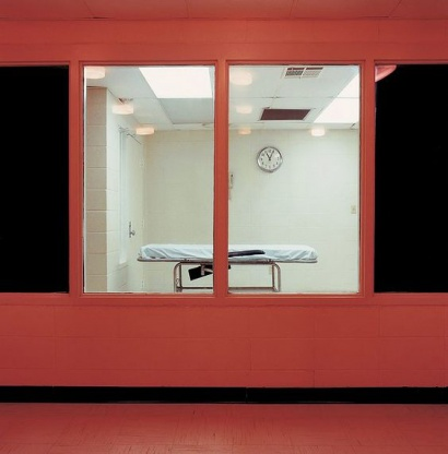 Lucinda Devlin: Chamber from Witness Room. Cummins Unit, Grady, Arkansas 1991