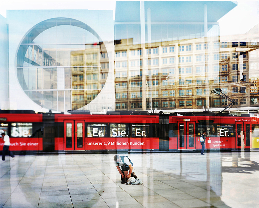 Berlin Babylon , ''BERLIN BABYLON''  Berlino è tradizionalmente un luogo di sperimentazione. La sua stessa struttura urbana, risultato da una serie d'interventi architettonici, spesso