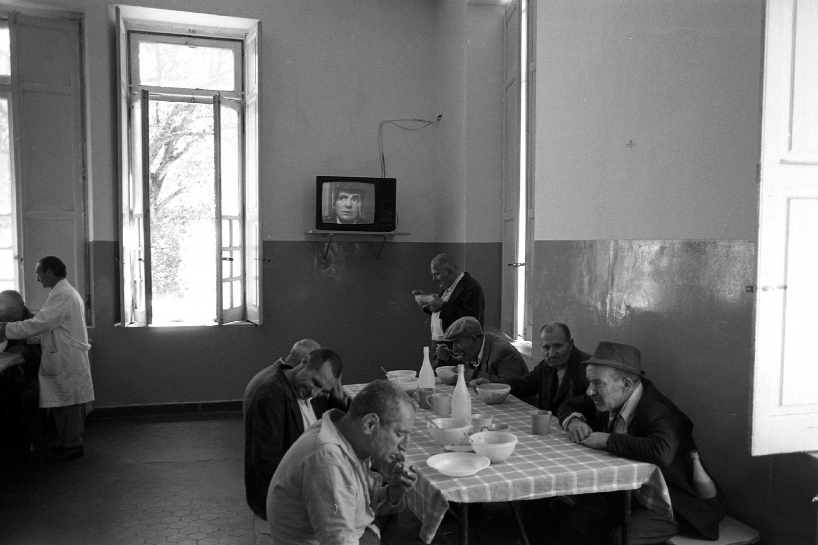 Prigionieri del silenzio - Viaggio nei manicomi calabresi