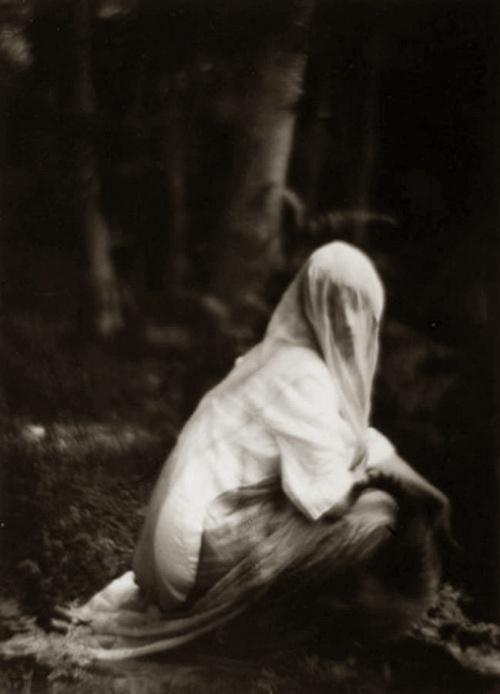Imogen Cunningham: Veiled Woman, 1910 - 1912